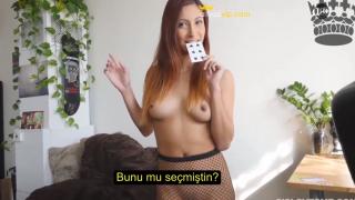 Azgın Üvey Kız Kardeşiyle Kart Oyunu Oynayarak Seks Yapıyor