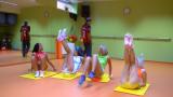 Spor Yapan Çıtır Kızlar Genç Egitmenle Grup Seks Yapıyor